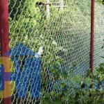 заборные столбы круглые с сеткой